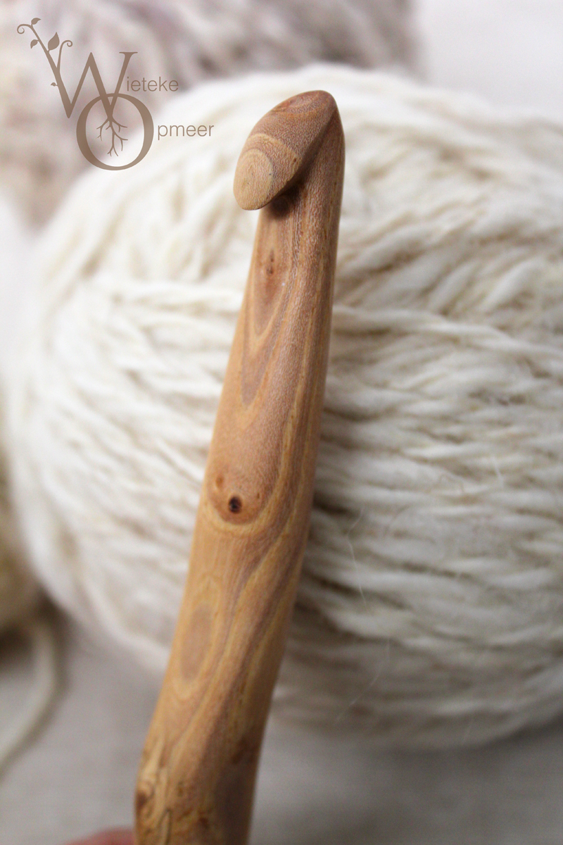 japanese cherry wood crochethook, botanical collection